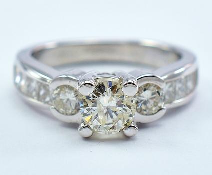 14K White Gold 5.53 Grams 1.95 Carats t.w. Diamond Three Stone Style Ring
