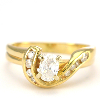 14K Yellow Gold 3.65 Grams 0.50 Carat t.w. Diamond Lady's Ring