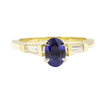 14K Yellow Gold 3.75 Grams Diamond Ring w/ Sapphire Center Stone