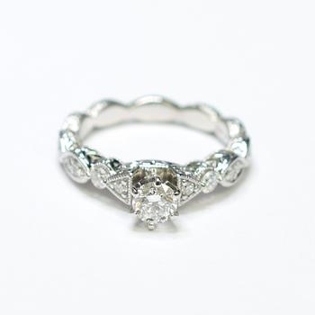 14K White Gold 4.65 Grams 0.70 Carat t.w. Diamond Ring