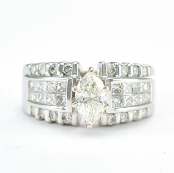 14K White Gold 7.50 Grams 1.64 Carats t.w. Diamond Ring