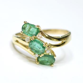 14K Yellow Gold 5.30 Grams Emerald and Diamond Ring