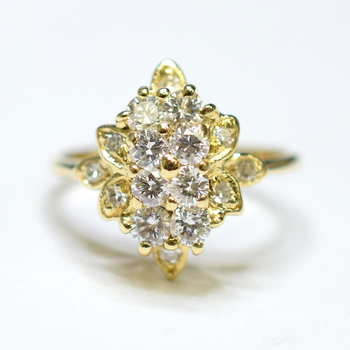 14K Yellow Gold 2.50 Grams Cluster Style Diamond Ring