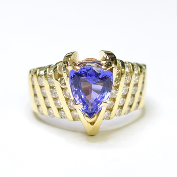 14K Yellow Gold 13.30 Grams Channel Set Round Diamond Ring With Pear Shape Tanzanite Center Stone