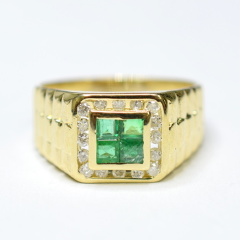 14K Yellow Gold 5.90 Grams Channel Set Round Diamond Ring With Invisible Set Princess Cut Emerald Center Stone