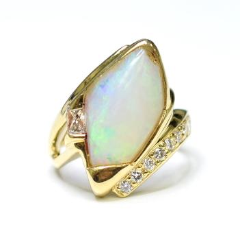 14K Yellow Gold 8.90 Grams Natural Opal and Diamond Ring