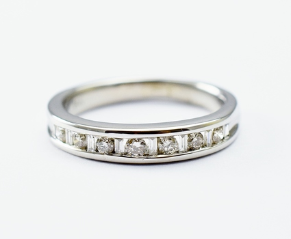 14K White Gold 2.90 Grams Baguette and Round Diamond Ring