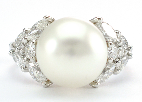 18K White Gold 5.00 Grams 1.00 Carat t.w. Diamond Ring With 10.90 MM Chinese Freshwater Pearl Center