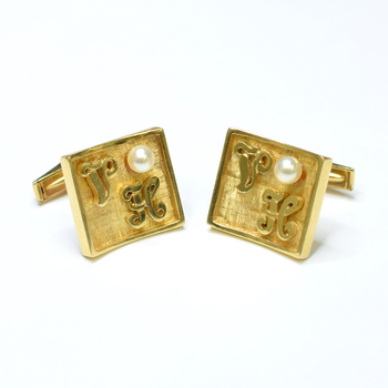 14K Yellow Gold 20.15 Grams Pearl Initial Square Cuff Links