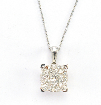 18K White Gold 4.60 Grams 1.40 Carats t.w. Princess and Round Diamond Square Pendant With Gold Chain