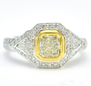 18K Two Tone Gold 8.20 Grams 1.23 Carats t.w. Diamond Lady's Ring