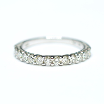 14K White Gold 2.00 Grams 0.50 Carat t.w. Round Diamond Wedding Band