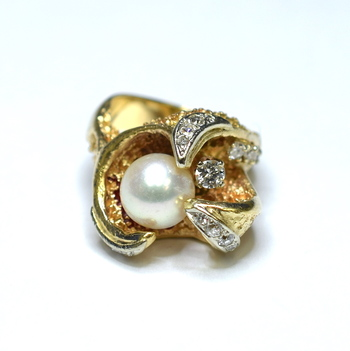 14K Yellow Gold 13.10 Grams Pearl and Diamond Ring
