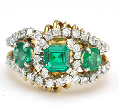18K Yellow Gold 10.60 Grams Emerald and Diamond Lady's Ring
