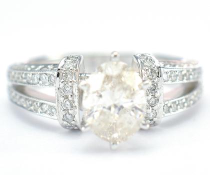 14K White Gold 4.70 Grams 1.64 Carats t.w. Diamond Split Shank Ring