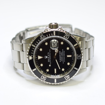 Rolex Submariner 40mm Oyster Perpetual Stainless Steel Mens Watch 16610