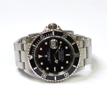 Rolex Submariner 40mm Stainless Steel Mens Watch 16610