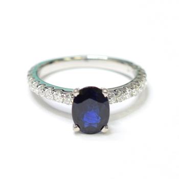 14K White Gold 3.15 Grams Sapphire and Diamond Ring