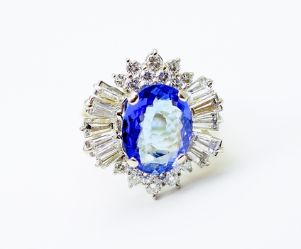 14K Yellow Gold 7.60 Grams 3.0 Carats t.w. Round and Baguette Cut Diamond Ring With Tanzanite Center Stone