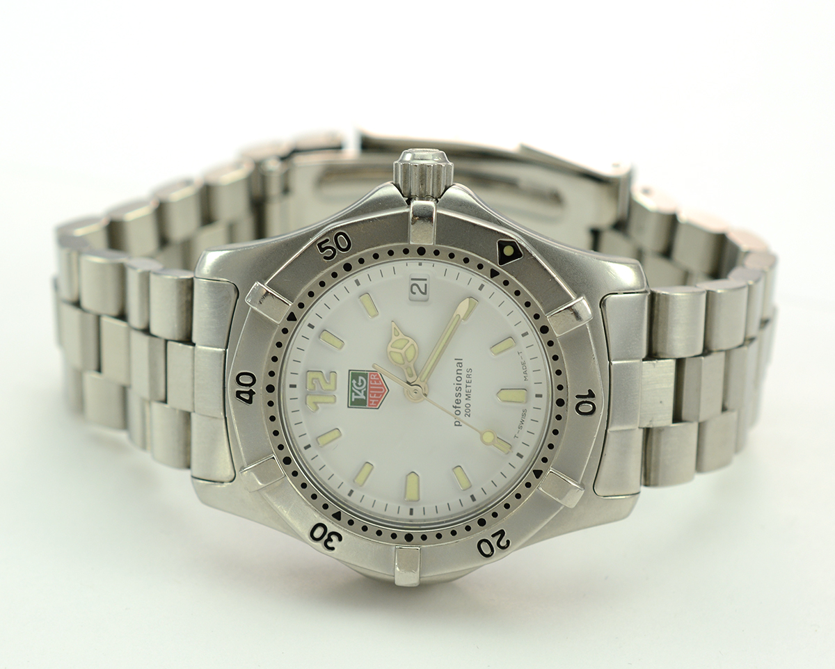 544fe80ba98 Tag Heuer Stainless Steel Mid - Size Dial Watch on Metal Strap ...