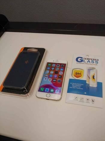 GSM Unlocked Apple iPhone 6 Smartphone 16GB - Bundle