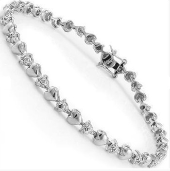 0.16 CT Diamond Designer Hearts Bracelet MSRP $825