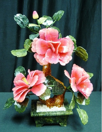 1,475 Cts of Real Pink Jade Bonsai Flowers Estimated Retail Value $820