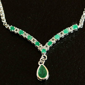 5.52 CT Green Agate & White Sapphire Designer Necklace MSRP $675