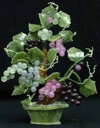 1,185 Cts of Real Mixed Jade Grape Vine Home Decor Estimated Retail Value $725
