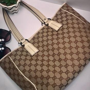 GUCCI Authentic Gucci GG Brown/Beige Canvas Tote Bag