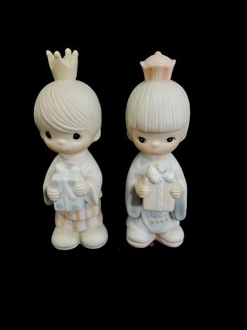 2 Precious Moments Figurines 1981 'We Three Kings'