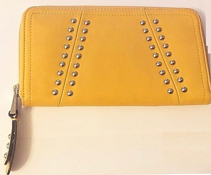 New B Makowsky Women's Wallet Zipper Closure Mustard Color LEATHER