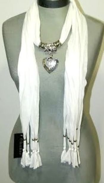 New Italian Style Women's Scarf With Pendant
