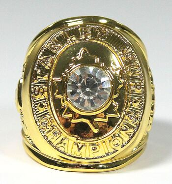 New 1967 TORONTO MAPLE LEAFS STANLEY CUP REPLICA RING Size 10