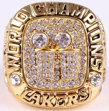 Los Angeles Lakers 2001 Championship Replica Ring Size 10