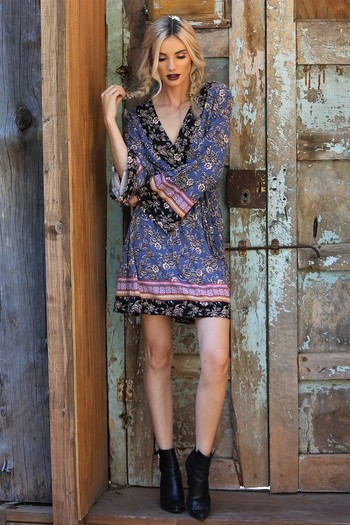 New BELL SLEEVES FAUX WRAP DRESS Size Small