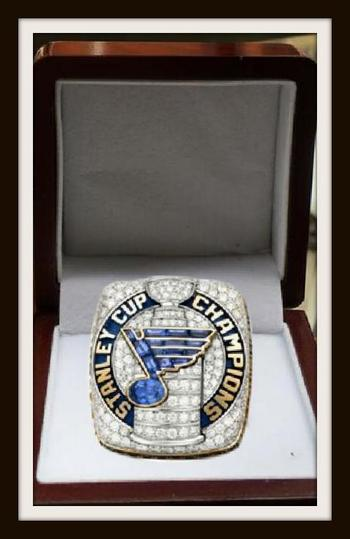 NHL St Louis Blues Stanley Cup Champions 2019 Replica Ring Size 11 w/ Wooden Gift Box