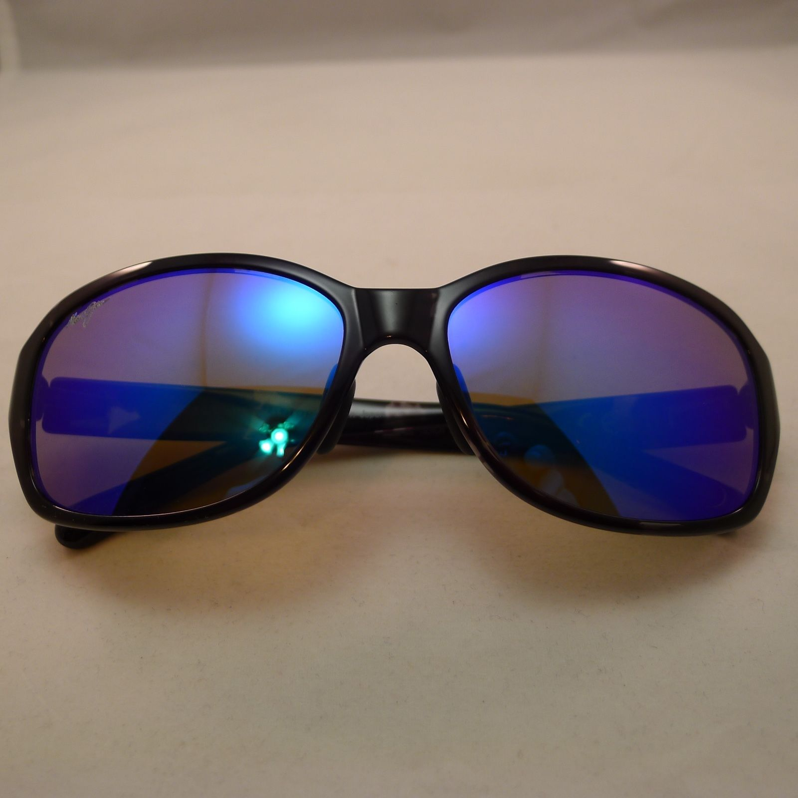 72706a2b60 New Maui Jim Sunglasses Retail $398.00 Made In Japan | Property Room