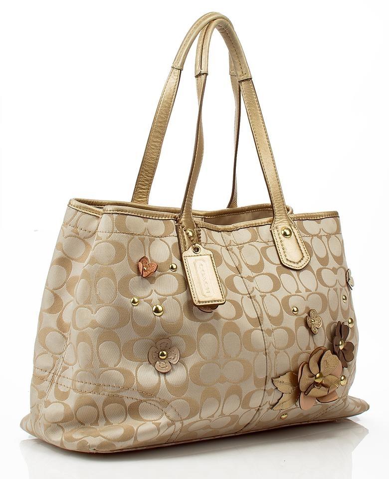0be398294dd Beautiful and Unique COACH Hobo Bag Handbag Purse | Property Room