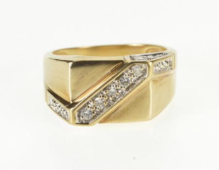 10K 0.15 Ctw Diamond Inset Diagonal Stripe Square Yellow Gold Ring, Size 8.25