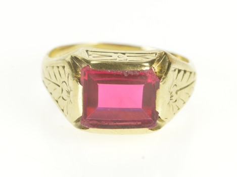 10K 1930's Etched Ornate Leaf Design Syn. Ruby Yellow Gold Ring, Size 7.25