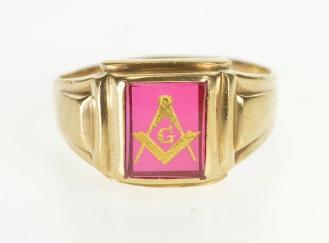 10K 1940's Syn. Ruby Masonic Compass Square Yellow Gold Ring, Size 11.25
