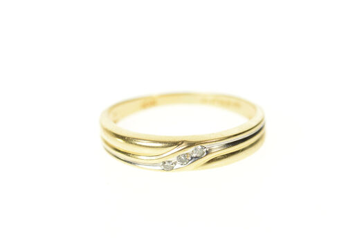 10K Classic Grooved Diamond Wedding Band Yellow Gold Ring, Size 7