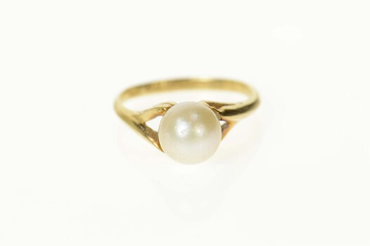 10K Classic Pearl Simple Statement Yellow Gold Ring, Size 4.5