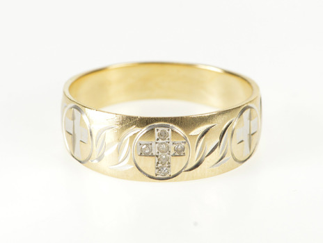 10K Diamond Inset Cross Christian Faith Band Yellow Gold Ring, Size 7.25
