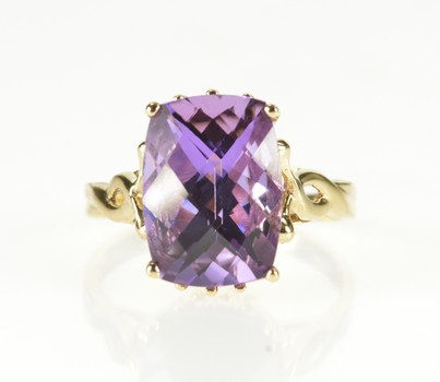 10K Emerald Cut Amethyst Solitaire Cocktail Yellow Gold Ring, Size 9