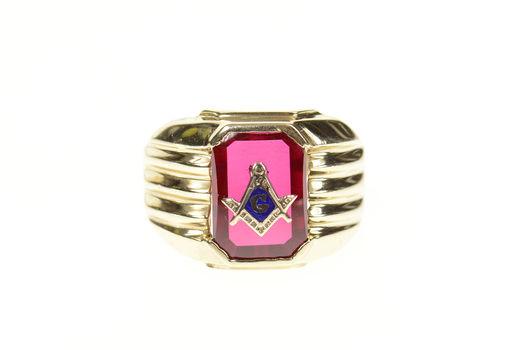 10K Men's Masonic Symbol Emblem Syn. Ruby Yellow Gold Ring, Size 9.5