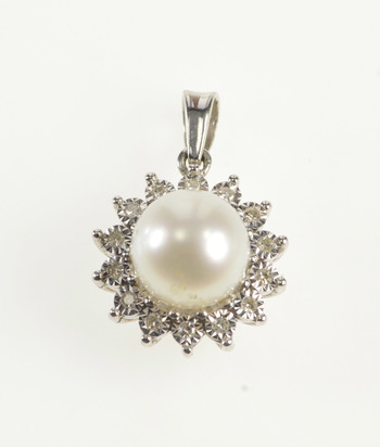 10K Pearl Inset Retro CZ Halo Cubic Zirconia Fashion White Gold Pendant