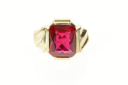 10K Retro 1950's Men's Syn. Ruby Statement Yellow Gold Ring, Size 6