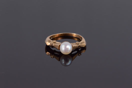 10K Retro Cultured Pearl Engagement Yellow Gold Ring, Size 4